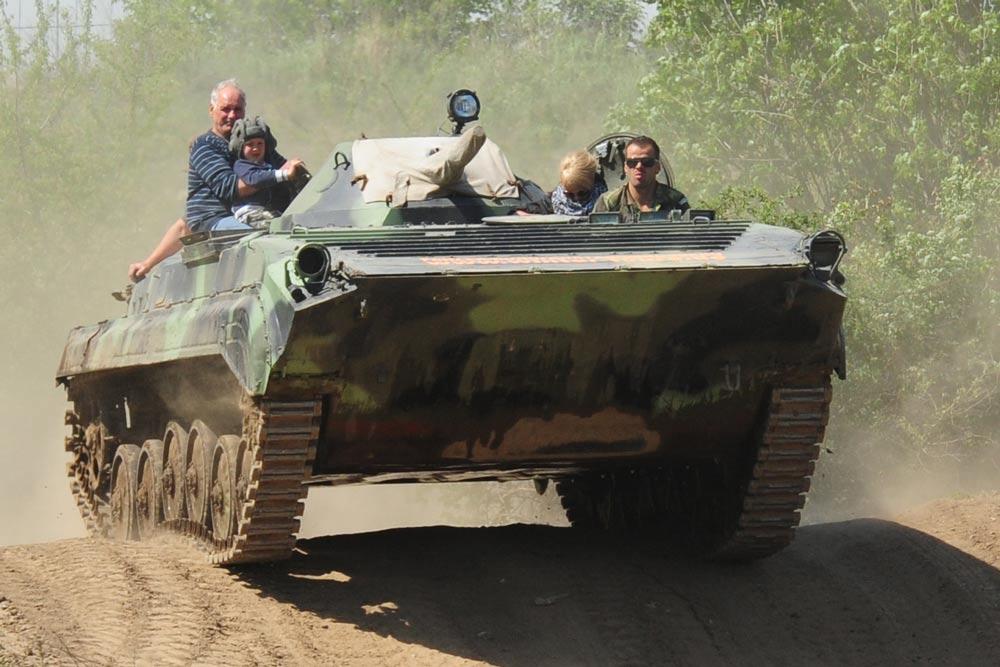 panzer fahren panzer erlebnisse bilder videos. Black Bedroom Furniture Sets. Home Design Ideas