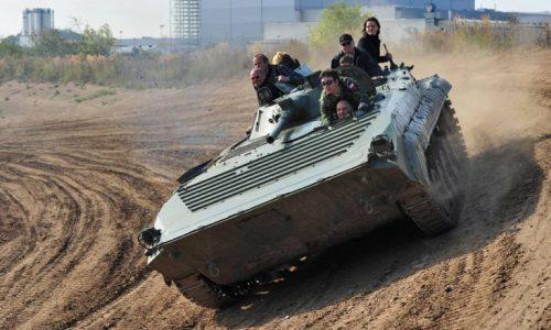 panzer-fahren-bmp-steilkurve