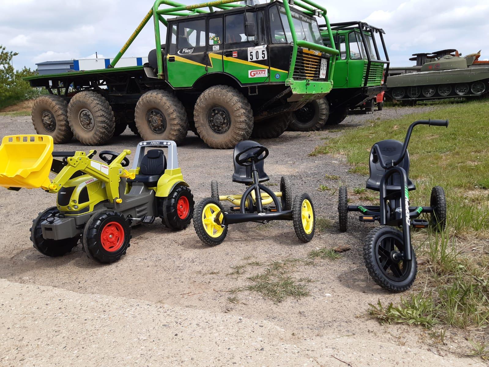 Im Sommer-Special geht es auch mit dem Kett-Car in den Parcours